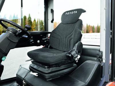 Toyota-tonero-deluxe-cabine